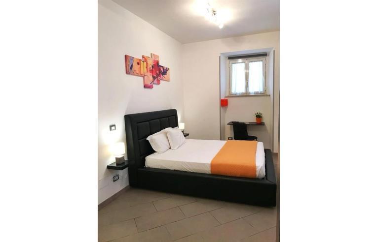 Privato affitta loft open space monolocale arredato spese for Loft roma affitto