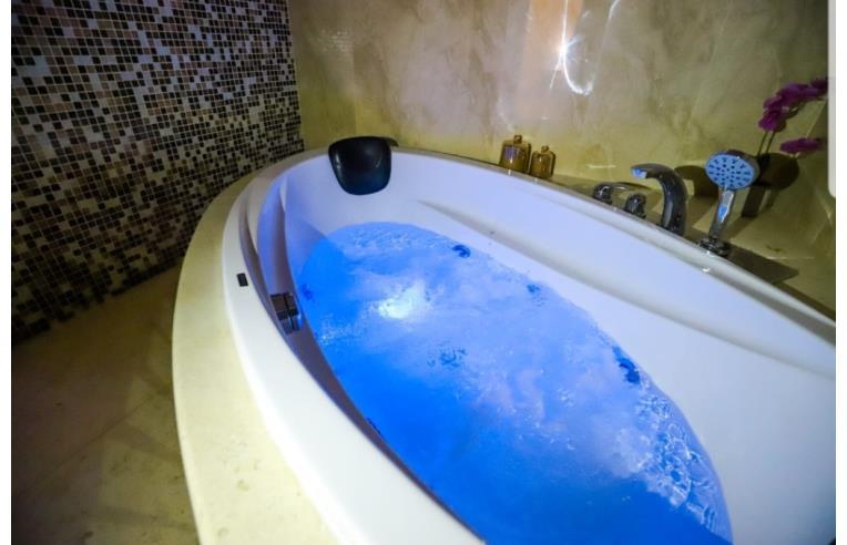 Cabina Doccia Jacuzzi Offerta.Offerte Vacanze Bed Breakfast Montesanto Luxury Suite