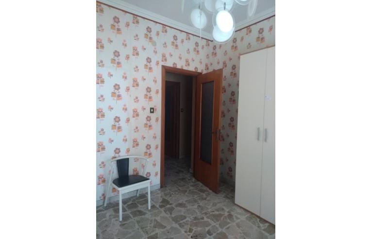 Privato affitta stanza singola confortevoli camere for Case arredate in affitto a catania