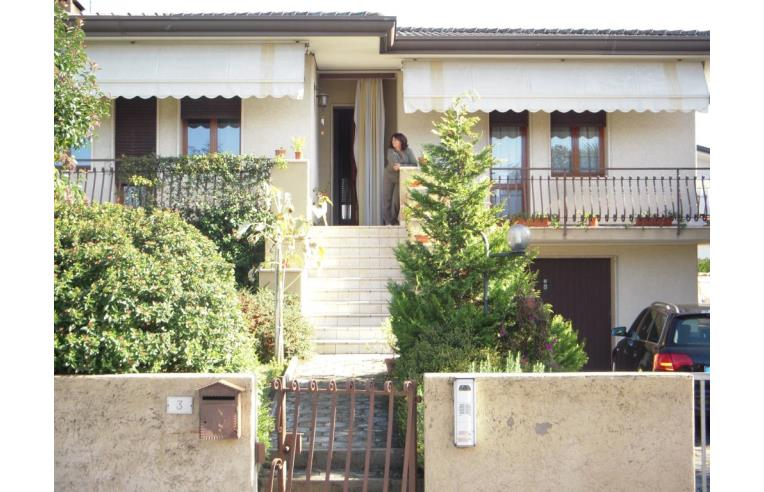 Privato vende casa indipendente grande casa indipendente for Piani di case in cedro