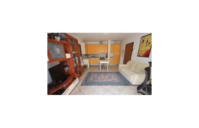 Privato vende appartamento bellissimo appartamento nelle vicinanze delle scuole e servz - Bagno 60 riccione ...