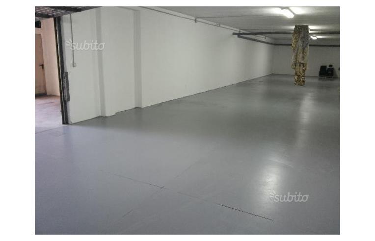 Privato Vende Box/Garage/Posto auto, AFFARE LOCALE ...