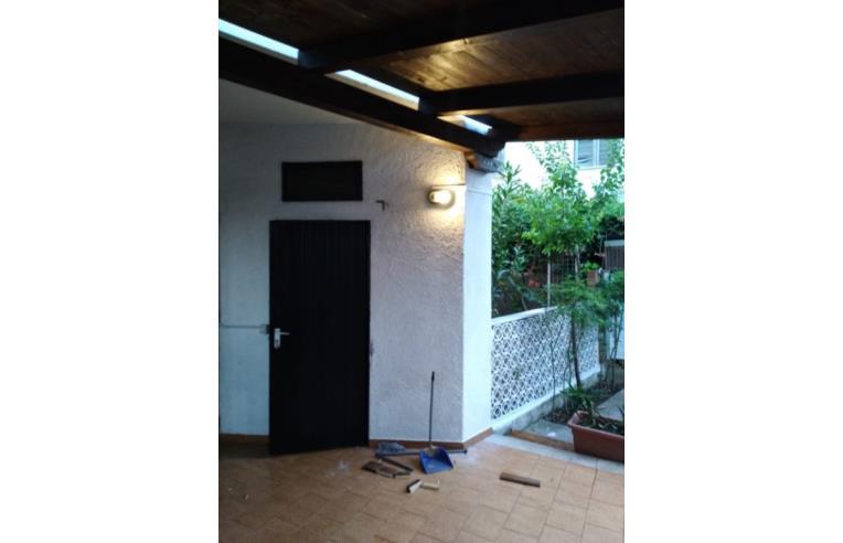 Gazebo In Giardino Privato.Privato Vende Casa Indipendente Casa Con Giardino E Gazebo In Legno