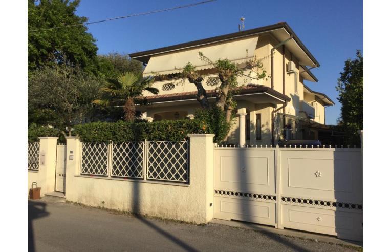 Foto 6 - Casa indipendente in Vendita da Privato - Pietrasanta, Frazione Marina Di Pietrasanta