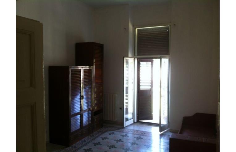 Privato affitta stanza singola camere singole a studenti for Stanze in affitto bari