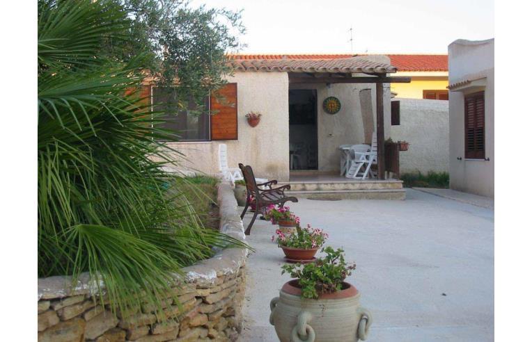 Privato affitta casa vacanze casa indipendente in villa for Case arredate in affitto sciacca