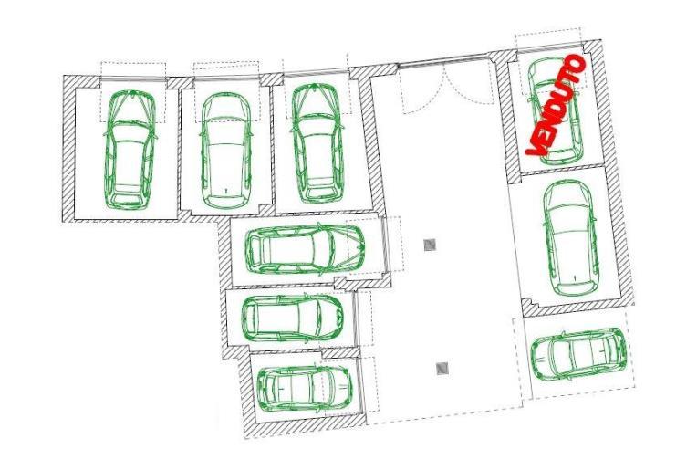 Privato vende box garage posto auto garage nella for Tre box auto
