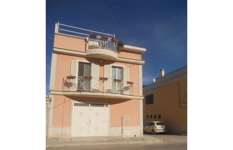 Privato vende casa indipendente casa indipendente canosa for Case in vendita trani