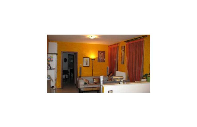 Privato vende appartamento appartamento abitabile in for Vendita mobili vicenza