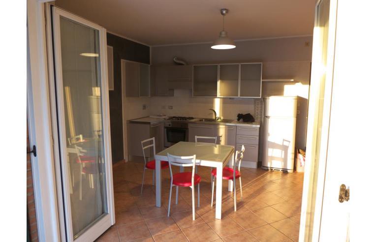 Privato Vende Appartamento, bilocale con terrazzo e box auto ...