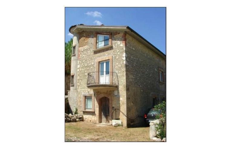 Case In Pietra E Mattoni : Privato vende casa indipendente villetta indipendente rustico