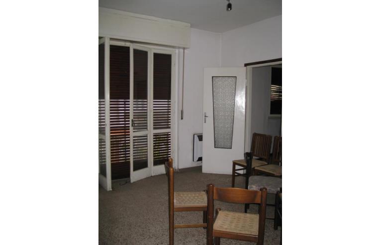 Privato vende appartamento porzione di casa su 2 piani for 4 piani di camera da letto 2 piani