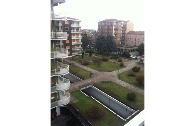 Privato affitta stanza singola ampia stanza singola vicinissima fermata metropolitana verde - Singola con bagno privato milano ...