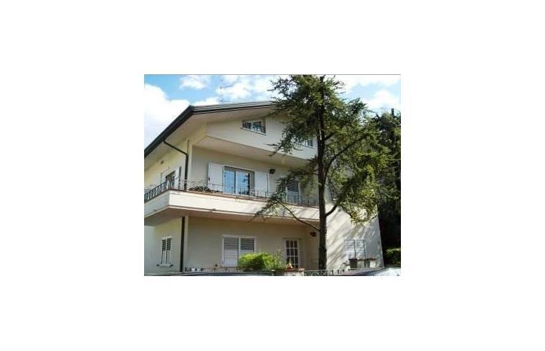 Privato vende porzione di casa riccione centro 100 mt da via ceccarini zona residenziale - Bagno 100 riccione ...