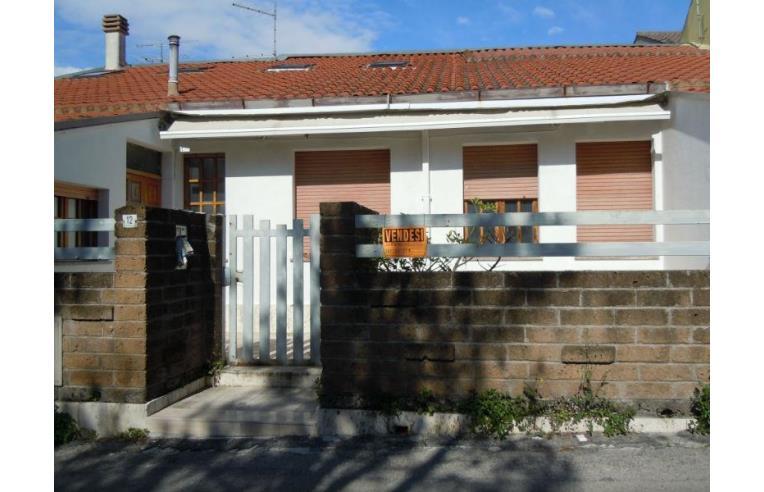 Privato vende casa indipendente casa singola su due piani for Case in vendita