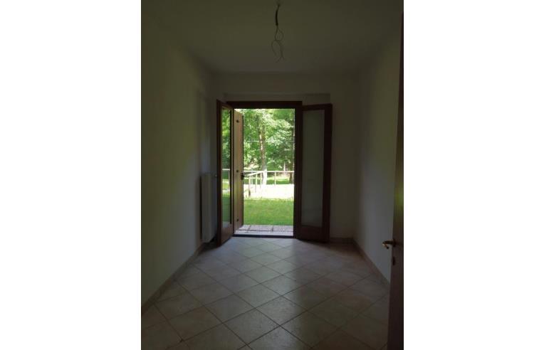 Privato vende appartamento appartamento con giardino 69 mq valsalega 7 km dal cansiglio - Immobile non soggetto all obbligo di certificazione energetica ...