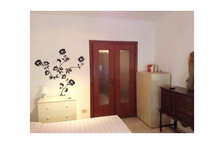 Privato affitta stanza singola affitto camera singola viale libia annunci roma zona - Stanza con bagno privato roma ...