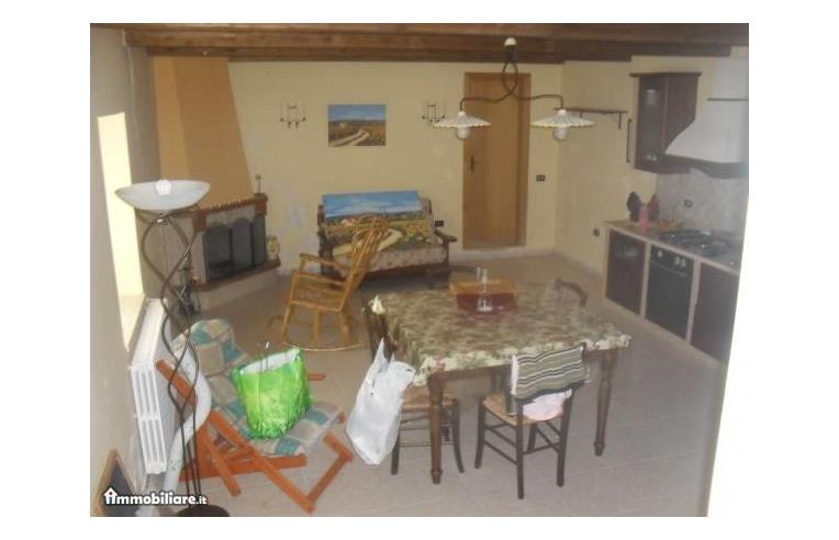 Privato vende altro appartamento su due piani con ampio for Piani di casa con guest house annessa
