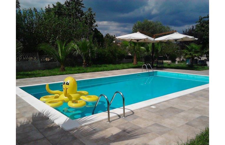 Privato affitta villa vacanze villa per feste e weekend for Case in affitto a brindisi arredate