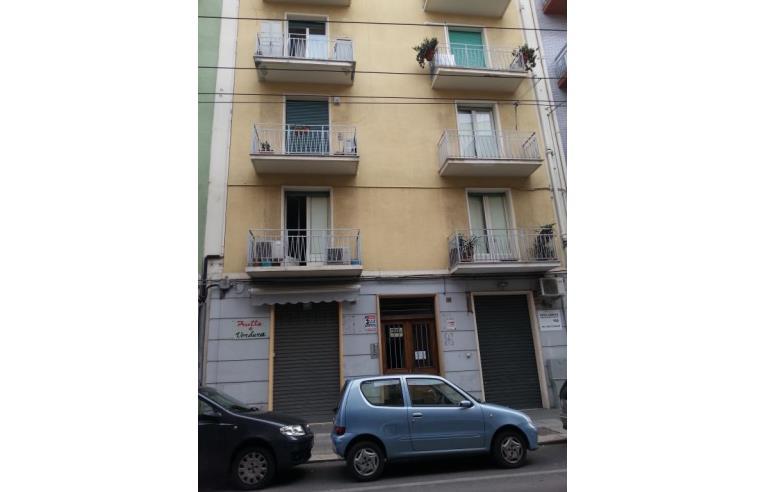 Privato vende appartamento a due passi dal centro a tre for Subito it appartamenti arredati bari