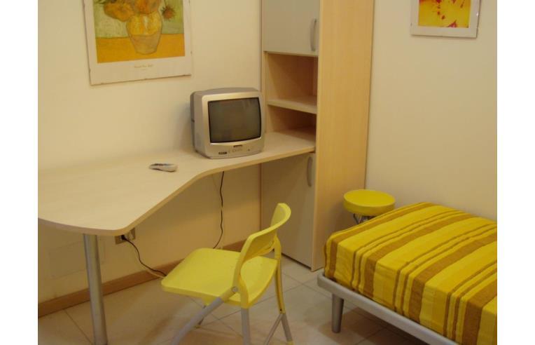 Privato affitta stanza singola monolocali interamente for Monolocali arredati in affitto