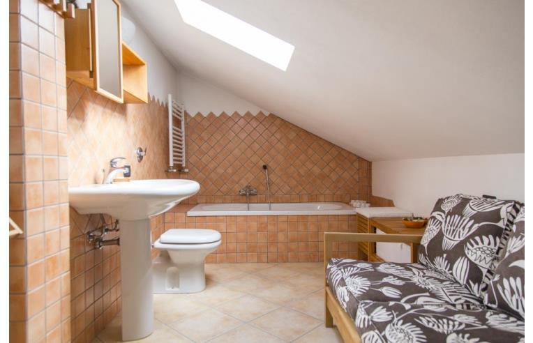 Privato vende appartamento vendo appartamento su due for Appartamento a due piani