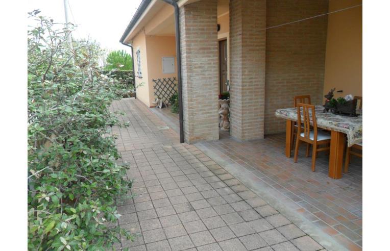 Privato vende villa occasione annunci fano frazione for 2 case su un lotto in vendita