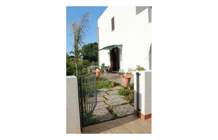 Privato affitta casa vacanze casa con giardino vicino al centro e alla spiaggia annunci san - Affitto casa con giardino ...