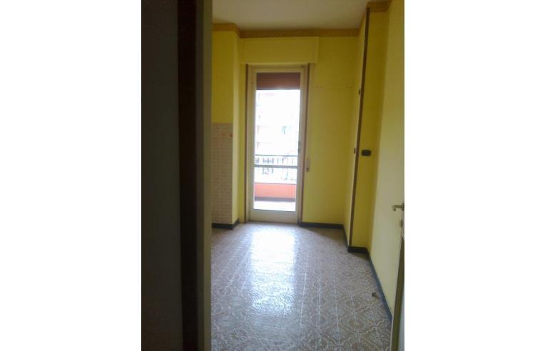 Privato vende appartamento marassi bel palazzo in salita for Bel soggiorno genova