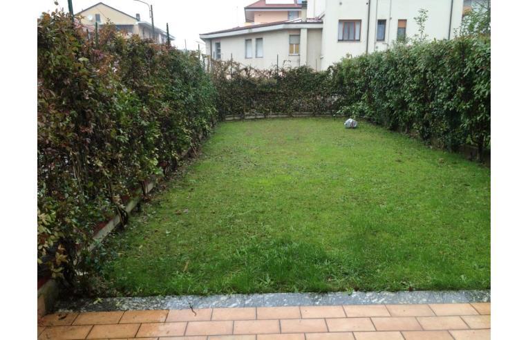 Privato vende appartamento bellissimo appartamento con - Appartamento con giardino privato ...