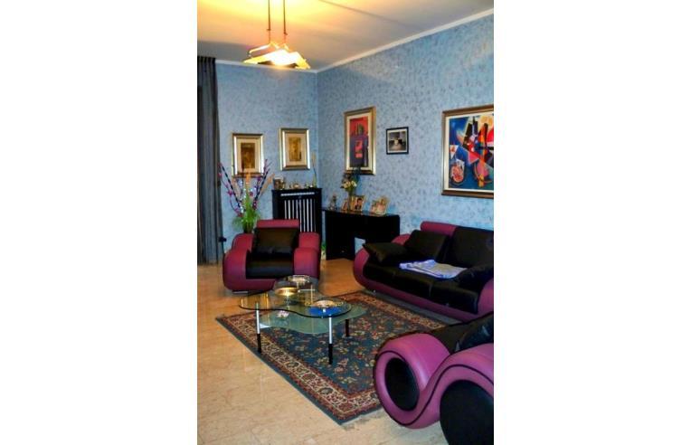 Privato vende appartamento trilocale milano corsico for Camera da letto principale con annesso asilo nido