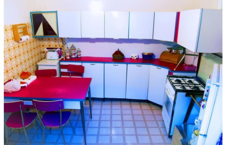 Privato affitta stanza singola stanza doppia uso singola for Stanze uso ufficio in affitto roma