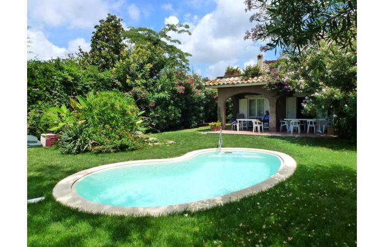 Privato affitta villa vacanze bella villa con piscina a - Villa con piscina roma ...