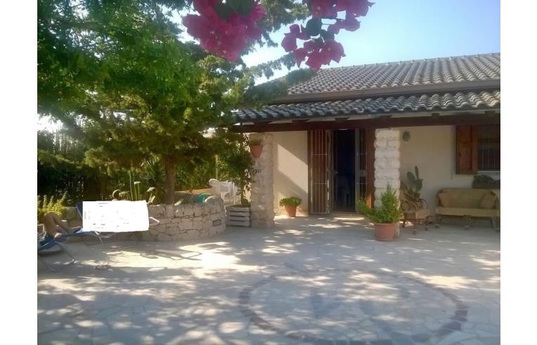 Privato affitta casa vacanze casa vacanze azzurro mare for Case arredate in affitto a ragusa