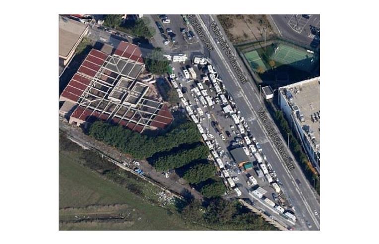 Foto 2 - Negozio in Vendita da Privato - Roma, Zona Torvergata