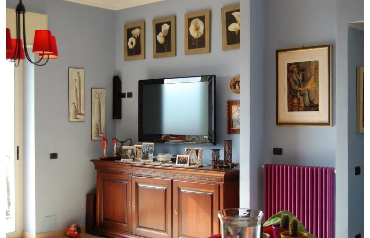 Privato vende appartamento appartamento casa torre for Piani di cabina di tronchi di 2 camere da letto