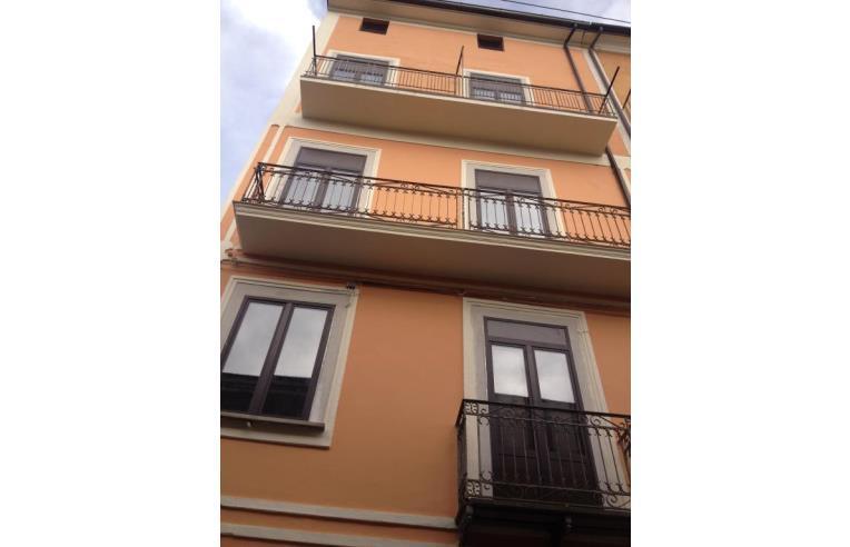 Privato vende casa indipendente casa indipendente centro for Case in vendita salerno centro