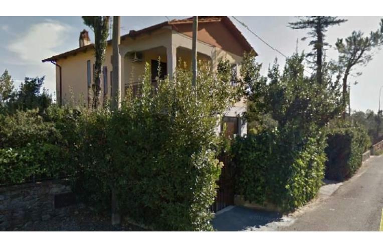 Privato vende casa indipendente setteponti traiana casa for Piani di casa con garage indipendente e guest house