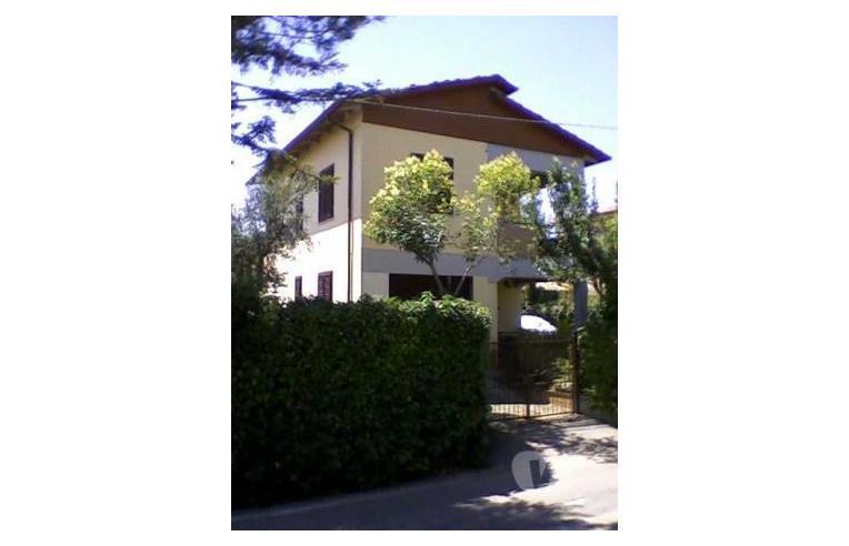 Privato vende casa indipendente setteponti traiana casa for Piani di casa con garage indipendente