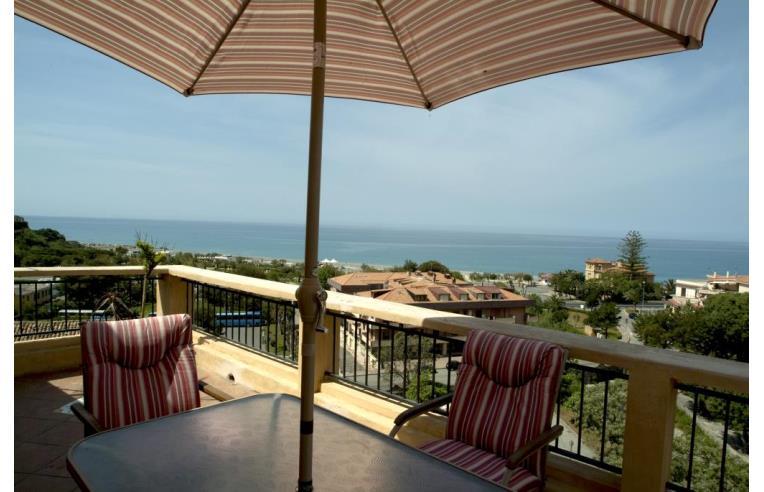 Privato vende casa indipendente casa indipendente for Casa con 3 camere da letto con garage in vendita
