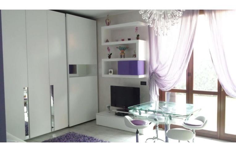 Privato vende appartamento splendido monolocale arredato for Costo impianto irrigazione interrato