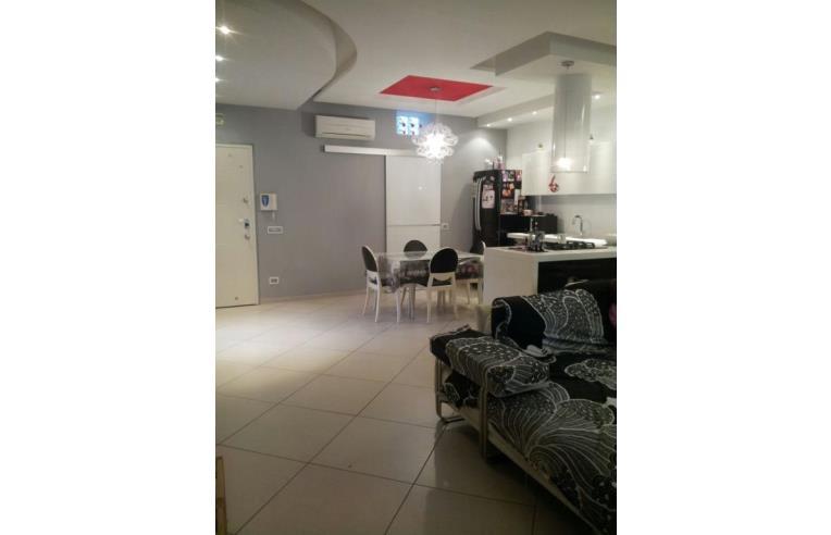 Privato vende appartamento appartamento con terrazzo for Mini appartamenti arredati giugliano