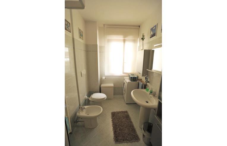 Privato vende appartamento appartamento arredato for Arredo bagno ascoli piceno
