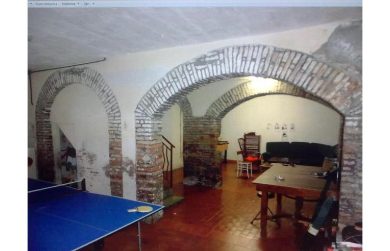 Privato vende casa indipendente casa indipendente osimo for Case in vendita osimo
