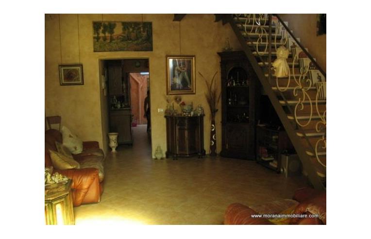 Privato vende casa indipendente casa indipendente for Case in vendita privati