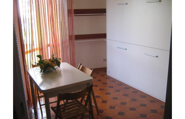 Privato affitta appartamento vacanze affitto vacanze for Affitto appartamento arredato imperia