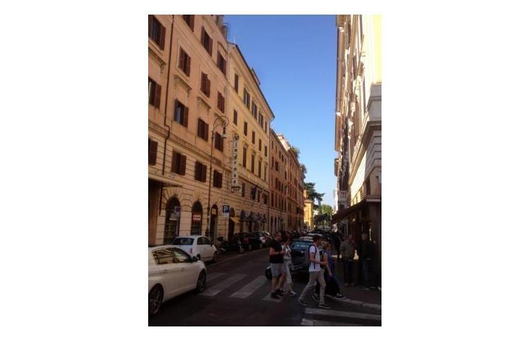 Privato vende appartamento bilocale centro storico for Bilocale vendita roma centro