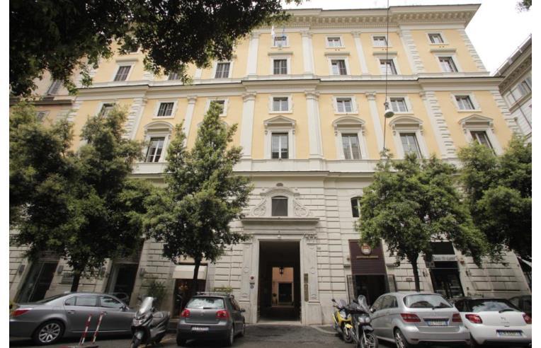 Privato affitta ufficio ufficio a tempo ora roma for Affitto appartamento barberini roma