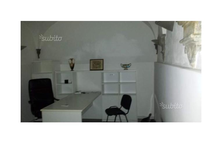 Privato affitta porzione di casa locale ad uso ufficio o for Affitto locale uso ufficio