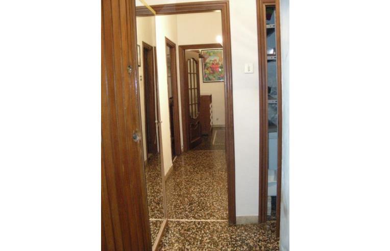 Privato affitta appartamento appartamento arredato comodo for Affitto arredato genova